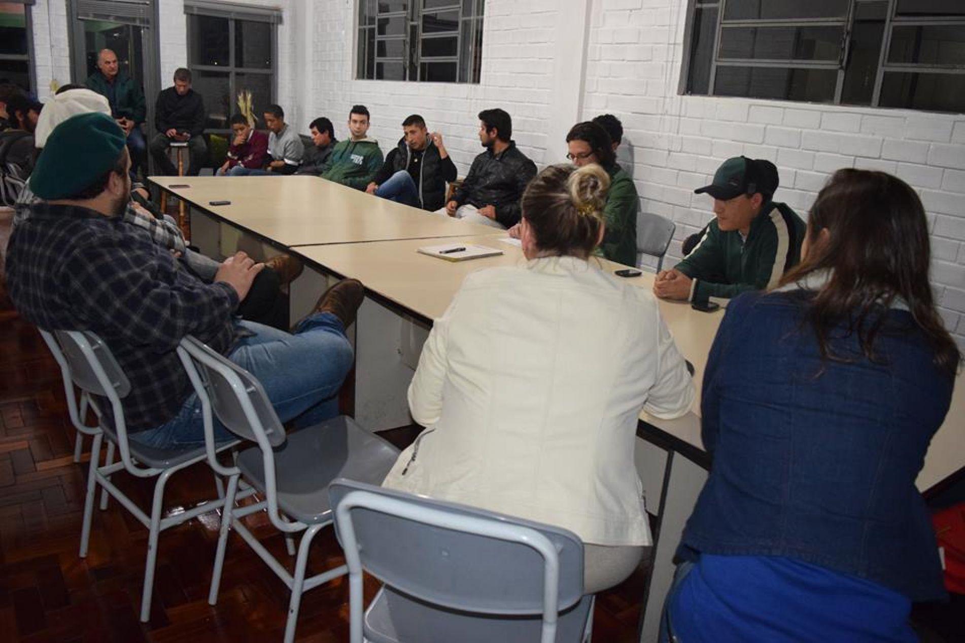 Músicos Cruz-altenses participam de reunião com Comissão Cul