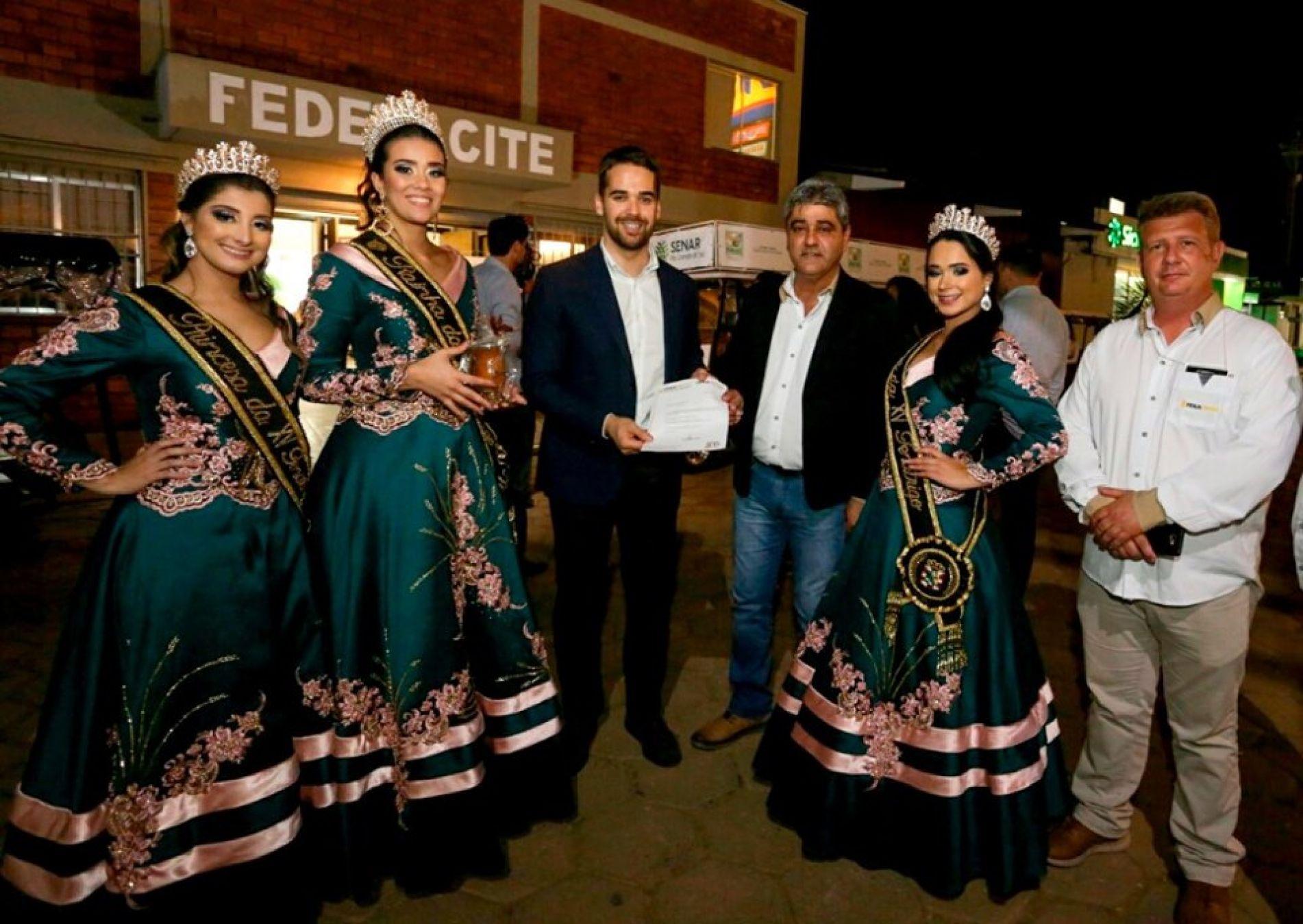 Governador Eduardo Leite recebe convite