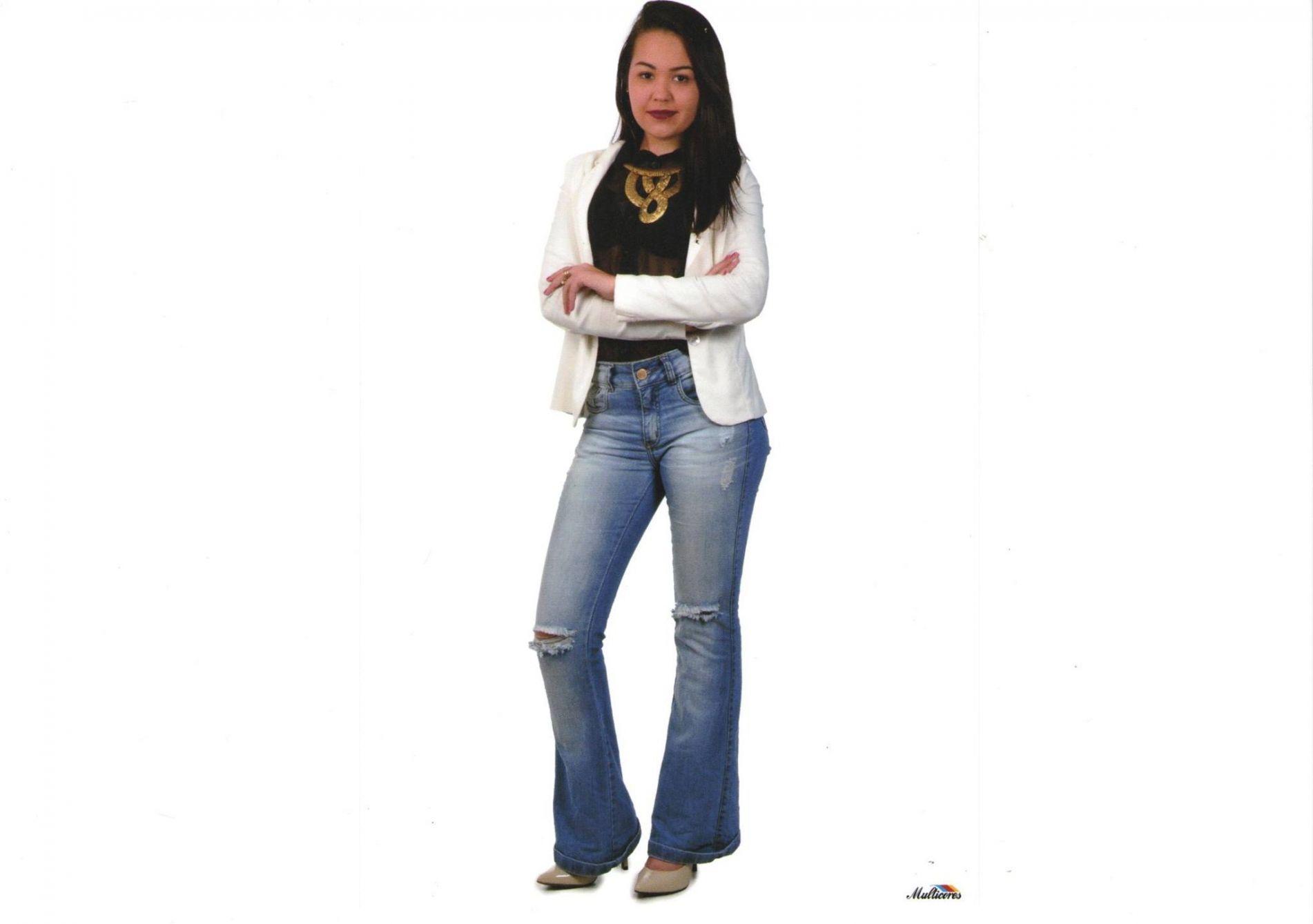 Amanda Marques Falkemberg - 17 Anos - Representa: Salão Diva