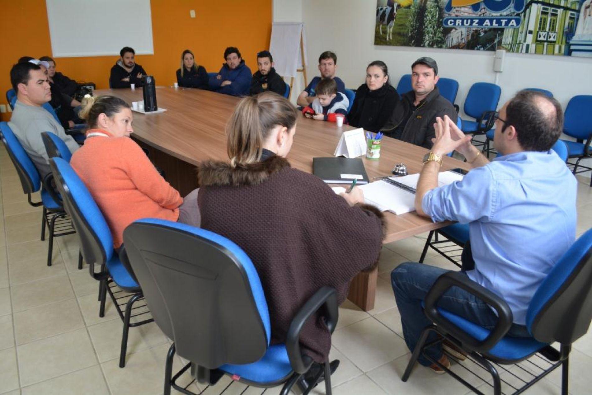 Reunião ocorreu na ACI Cruz Alta