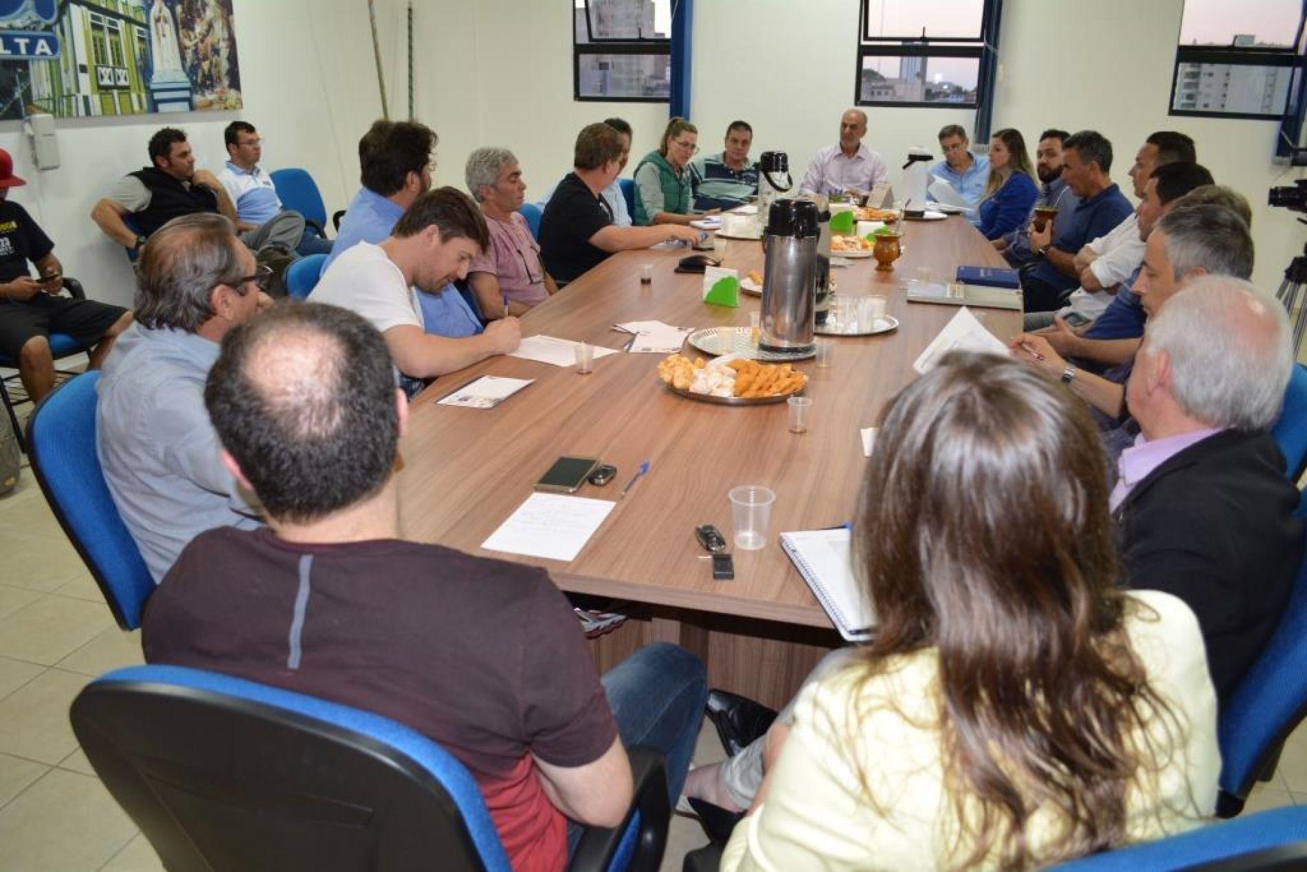 Comissões se reuniram na ACI