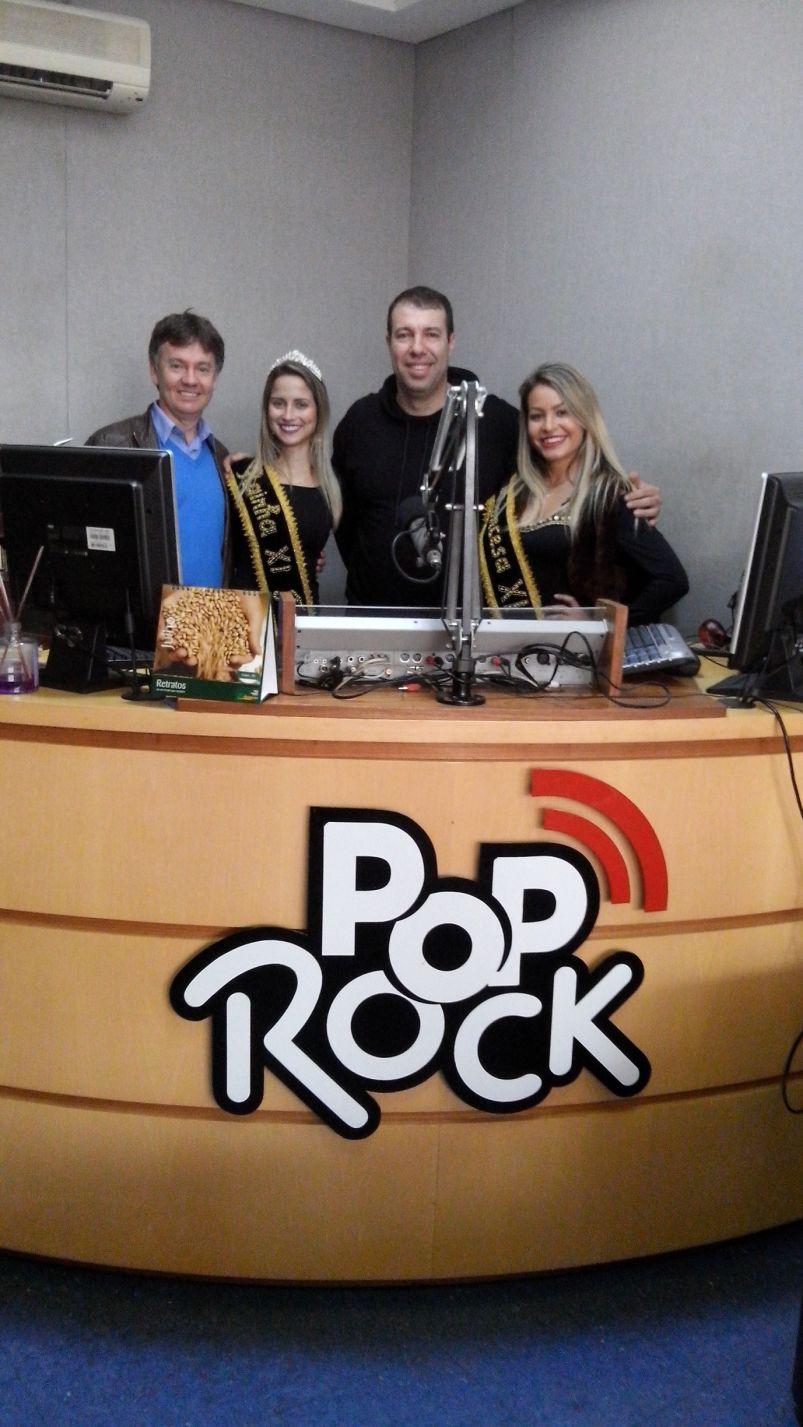 Presidente e soberanas com Paulinho Barcelos na Pop Rock